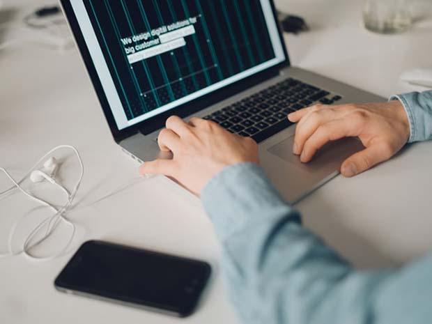 طراحی رابط کاربری (UI)